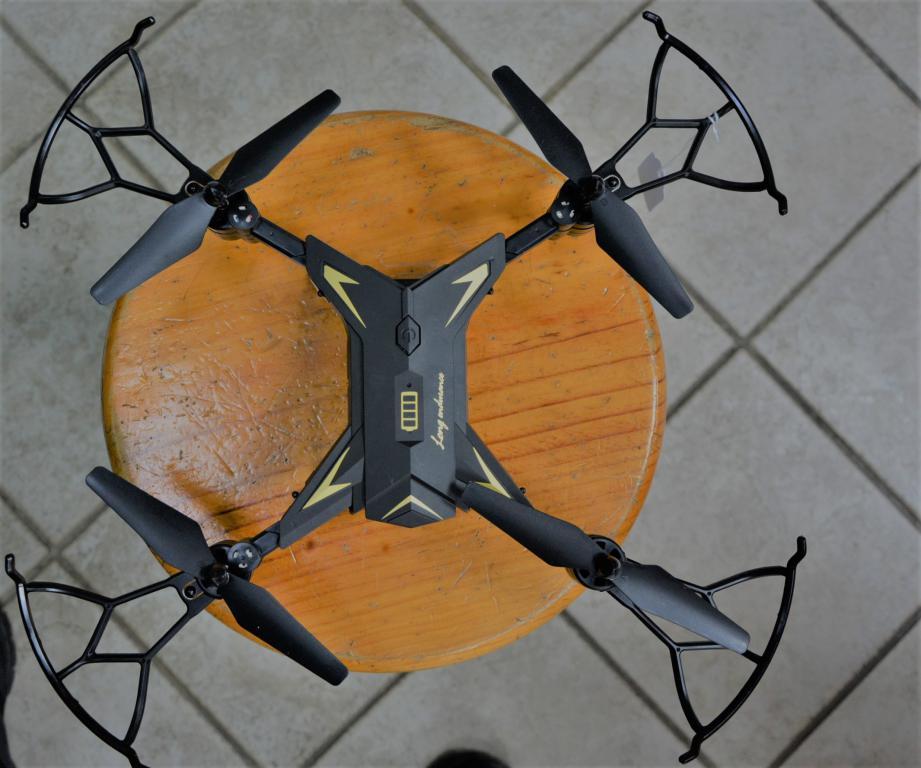 long-endurance-noir-drone-aerien